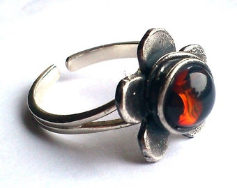 Amber glass flower adjustable silver ring