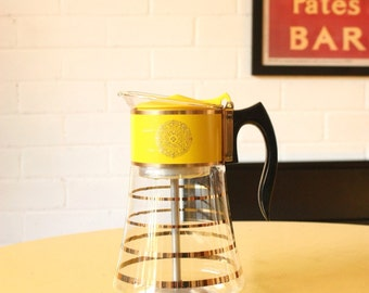 Vintage Pyrex Coffee Percolator Pot by David Douglas inYellow