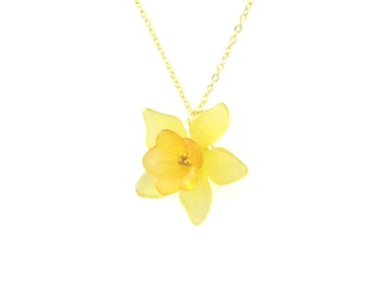 Daffodil Necklace 10K Gold Daffodil Jewelry Daffodill Spring Flowers Yellow Flower Spring Jewelry Spring Wedding Bridesmaid Flower Girl Gift