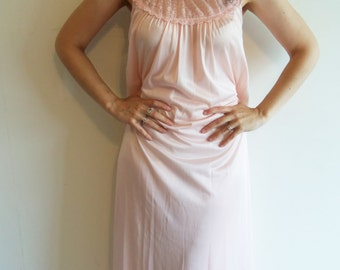 Vintage Sweet Modest Light Pink Lace Maxi Nightgown