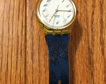 Vintage SWATCH WATCH, Swatch Watch, 1980s Navy Band with White Face and Yellow Trim
