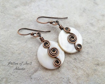 Wire wrapped earrings / copper earrings / Wire wrapped jewelry handmade earrings / copper jewelry / white mother of pearl