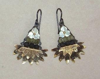 Earrings, jade, mother of pearl * 691