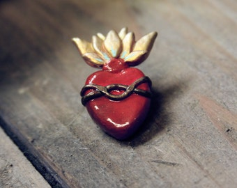 Sagrado Corazón // Sacred Heart of Jesus Sculpted Brooch/Pendant - Polymer Clay, Wearable Art