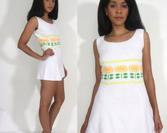 Vintage 60s 70s White Sweater Knit Mini Dress Tunic Mod Daisy Flower Hippie Festival