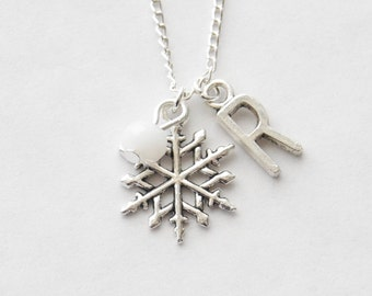 Snowflake Charm Necklace, Personalized Initial Necklace, Snowflake Jewelry, Silver Snowflake Necklace, Christmas Gift, Personalized Necklace