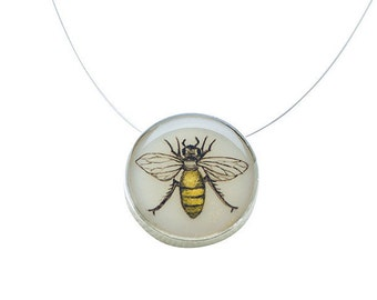 Bee Small Round Silver Necklace