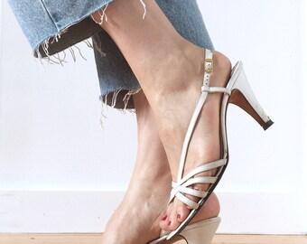 Vintage 80s Salvatore Ferragamo White Leather Strappy Sandal Pumps Size 7.5 B / Granny Heels