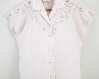 Vintage Ladies Embroidered Lace Accented Blouse