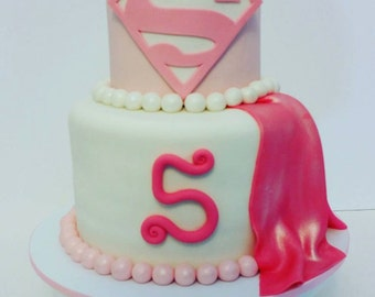 Supergirl cake decoration