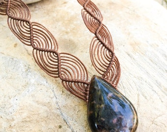 Black and Brown macrame necklace, Brown stripes Obsidian natural stone, Macrame necklace, Mexican obsidian, boho, shine, Macrame jewelry,