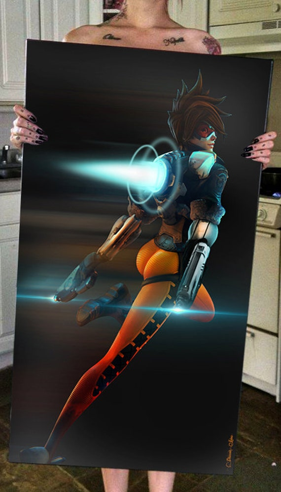 Overwatch Tracer Lena Oxton Video Game Sexy Guns Pistols Pin