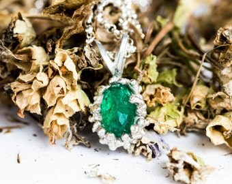 Emerald sterling silver budding necklace, budding barnacle necklace, emerald necklace