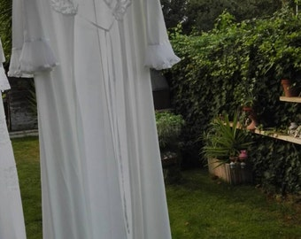 Dressing gown shabby chic romantic vintage white nightgown