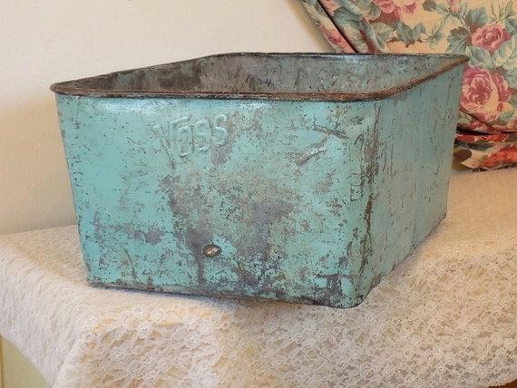 Large antique galvanized blue aqua storage bin planter for Large metal wash tub