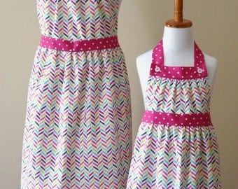 Mommy and Me Apron set Pink Mother Daughter apron set Pink Matching Apron Set Ready to Ship