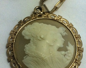 "Vintage,  Large Resin  "" Cameo ""  Necklace"