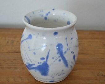 Decorative vase, vessel, flower vase, pencil holder, toothbrush holder, floral supplies