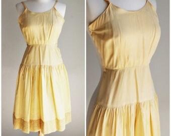 Vintage 1940s Yellow Slip / Slip Dress / 40s Slipdress / Lace Trim / Vintage Lingerie / Petticoat / Crinoline