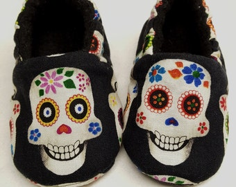 Sugar Skulls Baby Shoe,Black Baby shoes,Day of The Dead,Dia De Los Muertos,Skull Shoes,Toddler slippers