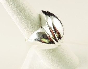 Size 7.5 Sterling Silver Chunky Modern Ring-(15.5 grams)