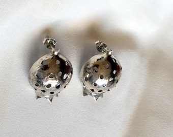 Silver Stud earrings for women , pomegrante earrings , sterling silver studs , silver stud earrings , pomegrante jewelry ,hammered earrings