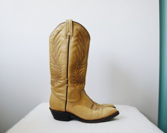 Vintage tan leather cowboy boots, size 5 1/2