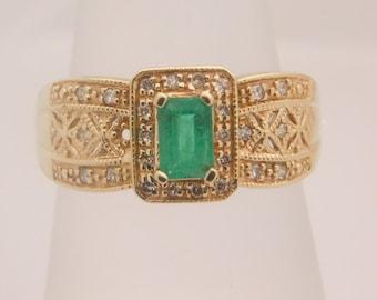 Ladies Emerald & Diamond 10K Yellow Gold Ring