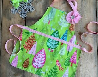 Winter apron, toddler apron, reversible toddler apron, child Christmas apron, green pink toddler apron, kids apron, toddler girl gift