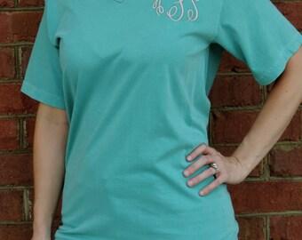 Comfort Colors Unisex V-Neck Short Sleeve Monogram Tee (Embroidered V Neck T-Shirt) 4099