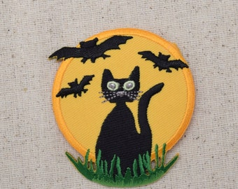 Halloween - Black Cat - Bats and Full Moon - Samhain - Iron on Applique - Embroidered Patch - 696556A