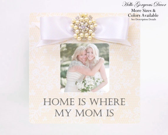 candles holders clocks decorative pillows picture frames displays