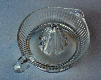 Vintage Ribbed Clear Glass Hand Citrus Reamer/ Juicer w. Spout & Handle