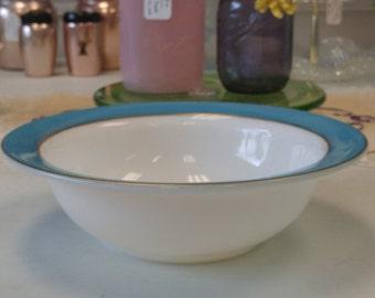 Vintage Turquoise Pyrex Tableware Serving Bowl!