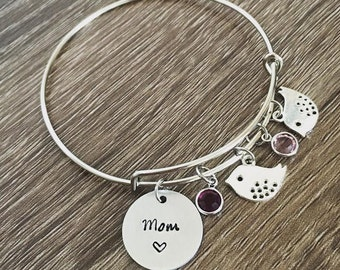 Silver bird charm bracelet / Birdie charms / Children charm / Birthstone / Hand stamped bracelet / UP TO SIX / Grandma / Mom bracelet / Gift