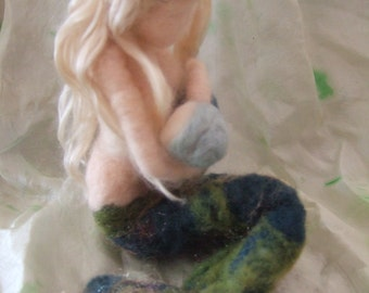 needle felted mermaid,  Mother breastfeeding mermaid ,  nature table doll decoration sculpture, waldorf inspired