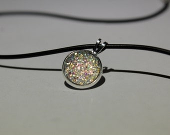 GLITTERING WHITE resin druzy cabochon NECKLACE