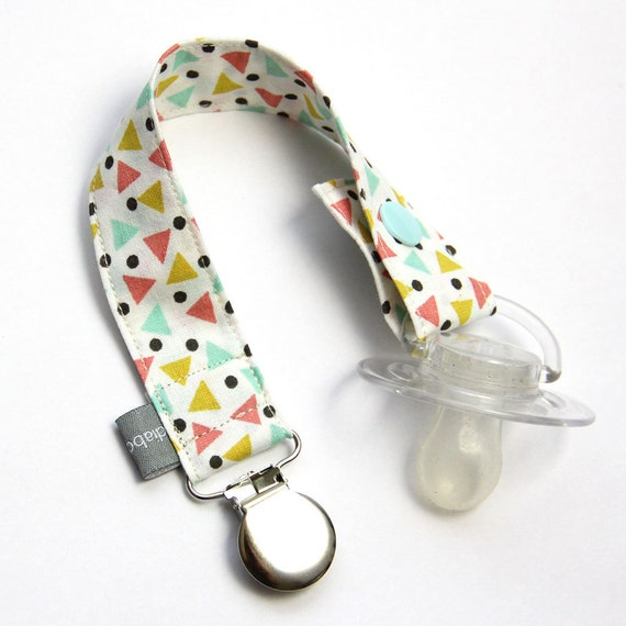 Pacifier clip - snap - enamel clip - mint - coral - triangles - dots - cotton fabric - baby - boy - girl - baby gift - baby shower - dummy