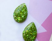 Sparkly Green teardrop earrings to Match Audrey II brooch -  confetti lucite vintage inspired earrings handmade by Luxulite