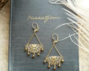 Gold Filigree Fan Earrings - Victorian Earrings Vintage Inspired - Anthropologie Style - Brass & Gold Glass - Bohemian Boho Earrings
