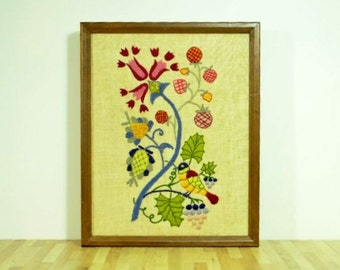 Vintage Embroidery Stitchery Needlework Framed Nature Artwork