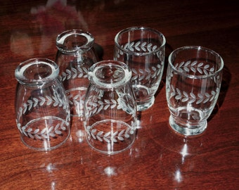 """5 CUT LAUREL CRYSTAL Anchor Hocking Clear 1950's Glass Tumblers Glasses 3 5/8"""" Juice Flat 5 Oz. Etched Cut Glass Set Excellent Condition"""