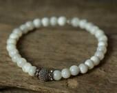 Pearl Bracelet, Stack Bracelet, Stretch Bracelet, Boho Bracelet, bridal Bracelet, Stretchy Bracelet, Beaded Bracelet, Silver Bracelet, Boho