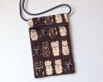 CAT Pouch Zip Bag BROWN Japanese Fabric. Phone Pouch. Maneki Neko, lucky cats. Walkers, markets, travel bag. small chocolate cat purse.