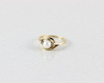 10k Solid Yellow Gold Pearl Ring and Diamond Ring Size 6 3/4