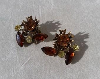 Vintage Cluster Rhinestone Clip On Earrings
