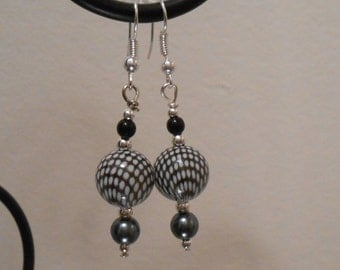 Black and White Pattern Earrings No. 286
