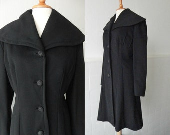 Black 50s Vintage Coat With Big Collar // Fitted