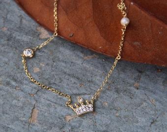 Crown gold 14k,Zircon sideways,Gold Necklace,Crown Necklace,Valentines gift,Women,Gift for her,Birthday,Bridal Gift,Wedding Gift,Engagement