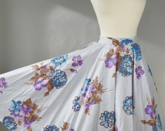 Vintage 1950s, Floral Circle Skirt // 50s, Grease Costume, High School, Retro, Pastel Lavender, Purple, Blue, Women's Size X-Small